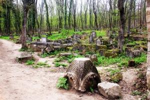 Караимское кладбище в Иософатовой долине