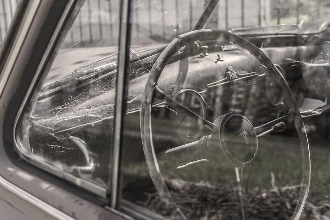 В старом авто