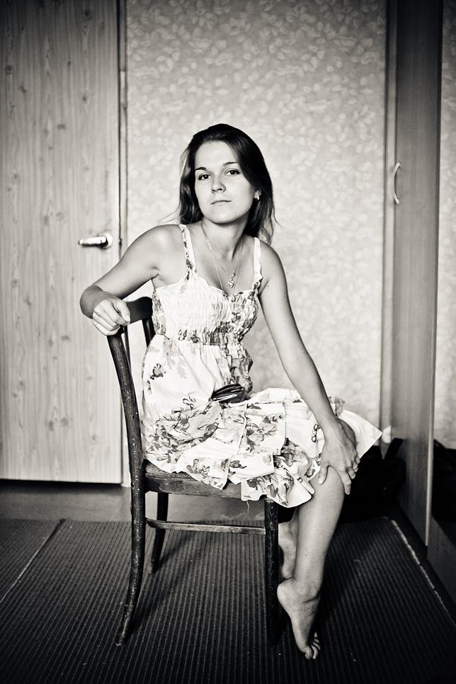 Фото женщин в кресле 24 фотография